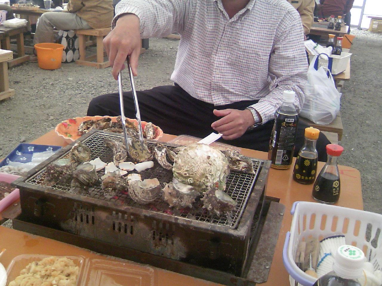 牡蠣を食す。